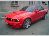 Ford Mustang - 2005