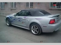 Ford Mustang - 2002